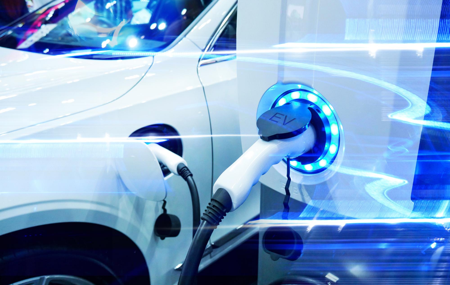 8 Benefits of Driving a Hybrid Car